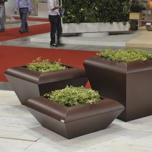 jardinera de acero galvanizado / contemporánea / para espacio público