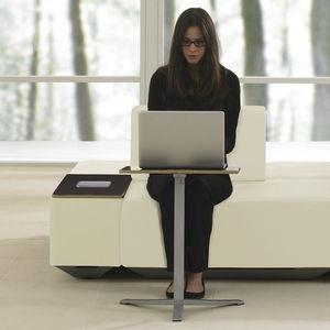 mesa de ordenador contemporánea / de madera / redonda / cuadrada