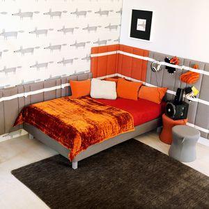 habitación para niños naranja