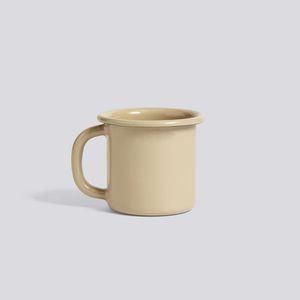 taza de metal esmaltado