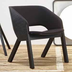 sillón contemporáneo / de cuero / de madera maciza / de roble