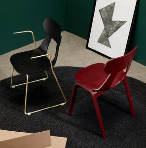 silla contemporánea / con reposabrazos / apilable / patín
