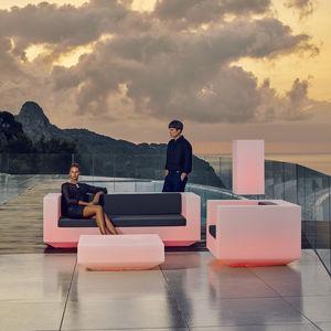 sofá contemporáneo / de jardín / de tejido / de polietileno