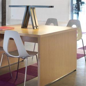mesa de trabajo contemporánea / de madera / con base de madera / cuadrada