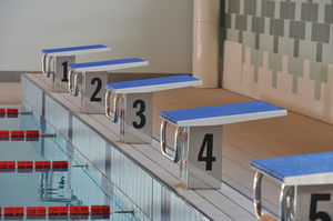 taco de salida para piscina pública