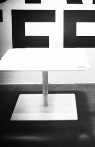 mesa de centro contemporánea / de Corian® / de acero inoxidable / cuadrada
