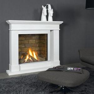 marco para chimenea clásico