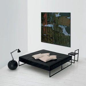 cama individual / contemporánea / de madera lacada / de metal