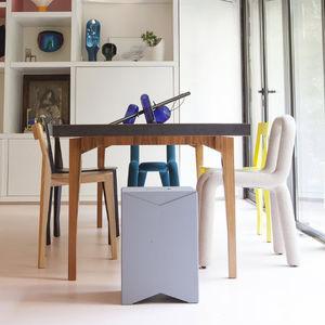 silla contemporánea / apilable / de textil / de acero