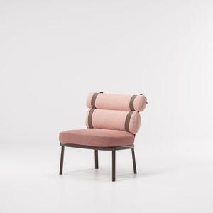 sillón bajo contemporáneo / de tejido / de aluminio / con cojín amovible