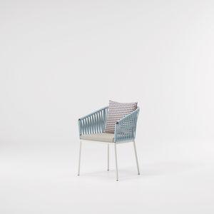 silla contemporánea / tapizada / con reposabrazos / de aluminio