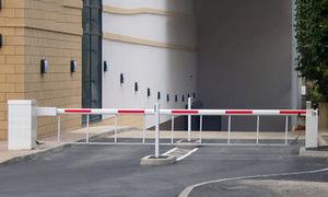 barrera de control de acceso / levadiza / plegable / de acero