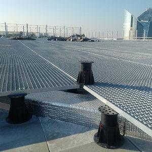 pedestal para terraza de exterior / de polipropileno / para el sector servicios / ajustable