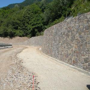 muro de contención de hormigón armado