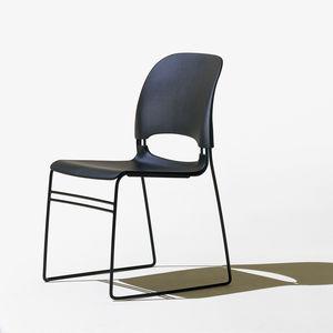silla de visita contemporánea / apilable / patín / 100 % reciclable