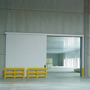 puertas industriales abatibles