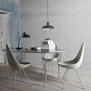 silla de diseño escandinavo / tapizada / de tejido / de cuero