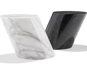 mesita auxiliar contemporánea / de mármol / con base de mármol / ovalada