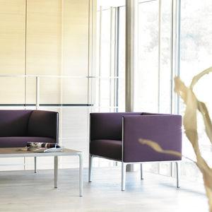 sillón de visita contemporáneo / de tejido / de cuero / aluminio