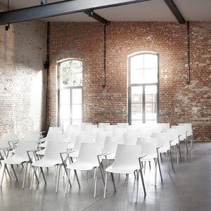 silla de conferencia apilable