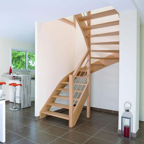 escalera en U / en L / estructura de madera / con peldaños de madera