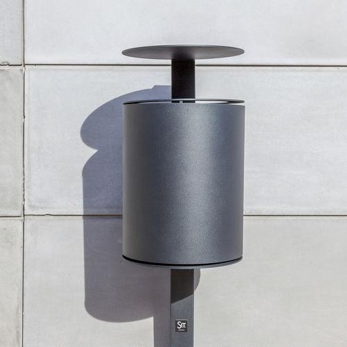 cubo de basura público / de pie / de hierro / contemporáneo