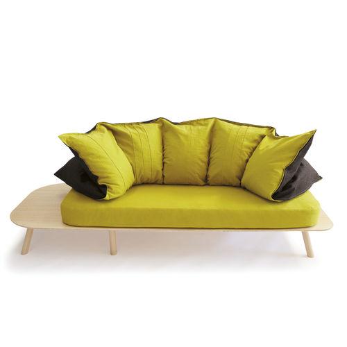 sofá de diseño original / de tejido / 2 plazas / ergonómico