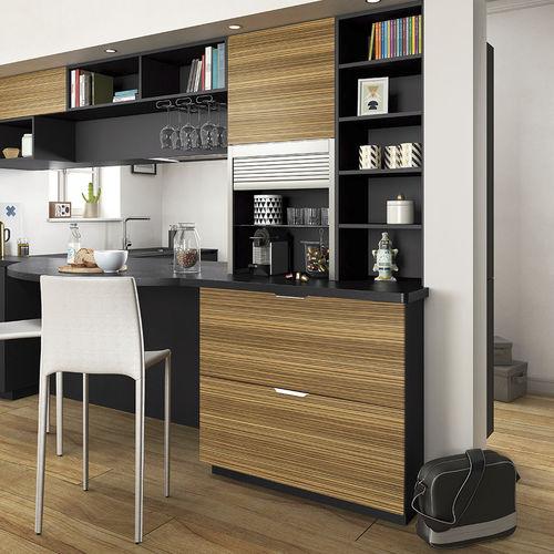 cocina moderna / de chapa de madera / de material laminado / en L