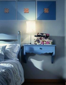 mesilla de noche clásica / de madera / rectangular / de pared