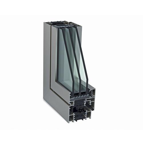 ventana abatible / de aluminio / con vidrio triple / acústica