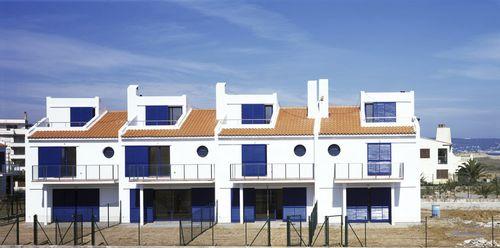edificio prefabricado / de hormigón / para uso residencial / contemporáneo