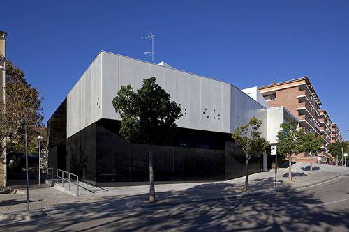 edificio prefabricado / de hormigón / para escuela / contemporáneo