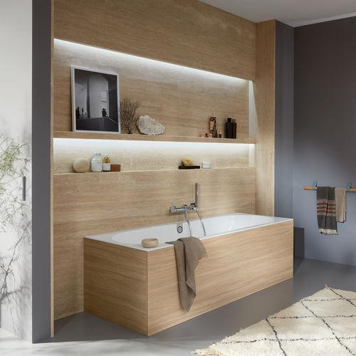 bañera encastrable / ovalada / de fibra acrílica / de hidromasaje