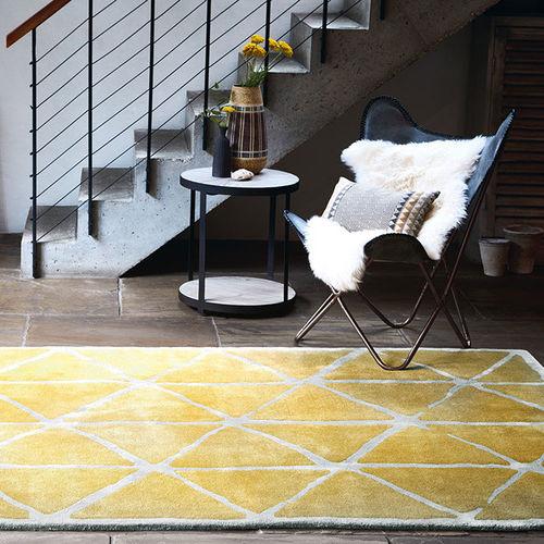 alfombra moderna / con motivos geométricos / de lana / de viscosa