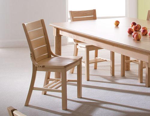 silla contemporánea / de madera maciza