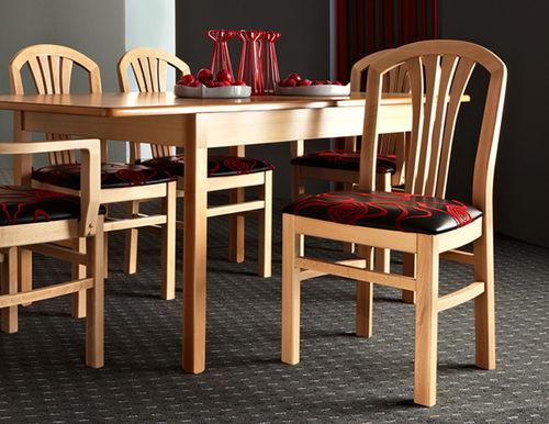 silla contemporánea / tapizada / de tejido / de madera