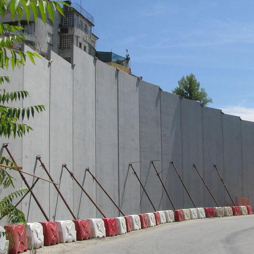 muro de contención de hormigón armado / modular / de elementos prefabricados / de tráfico
