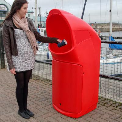 cubo de basura público / de plástico reciclado / contemporáneo