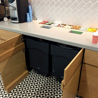 cubo de basura para cocina / de plástico reciclado / contemporáneo / de reciclaje