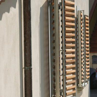 contraventana abatible / de madera / de metal / para ventana