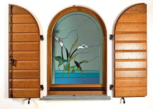 contraventana abatible / de madera / para ventana / arqueada
