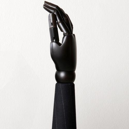 mano de maniquí hombre
