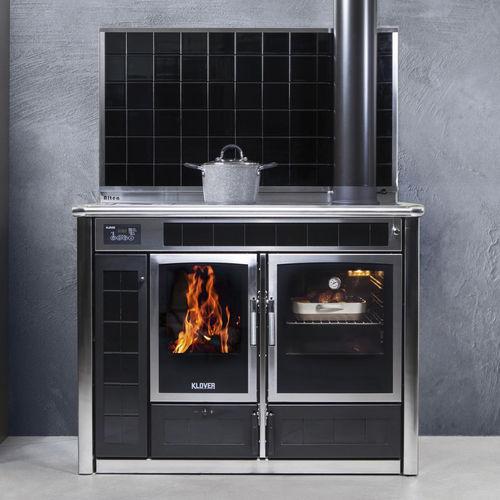 cocina con horno de leña