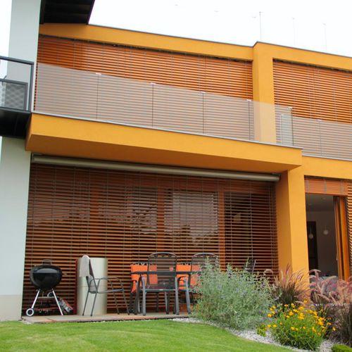 persiana veneciana / de pino / de exterior / motorizado