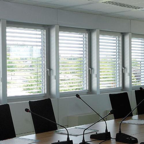 ventana abatible / corredera / oscilobatiente / de fuelle