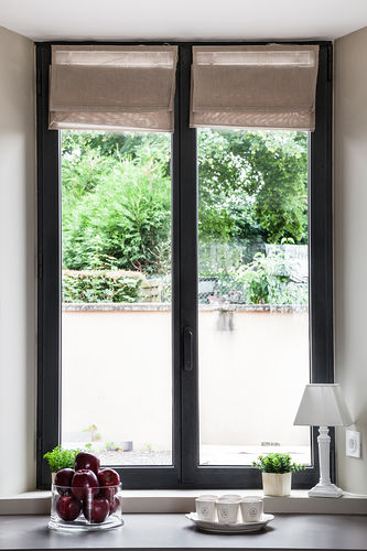 ventana abatible / oscilobatiente / de fuelle / de aluminio