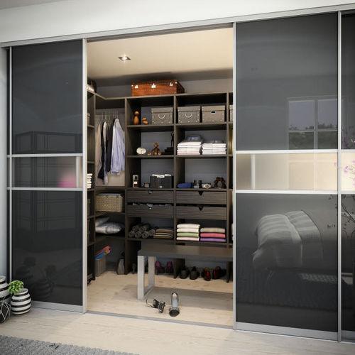 vestidor moderno / de madera / con puerta corredera