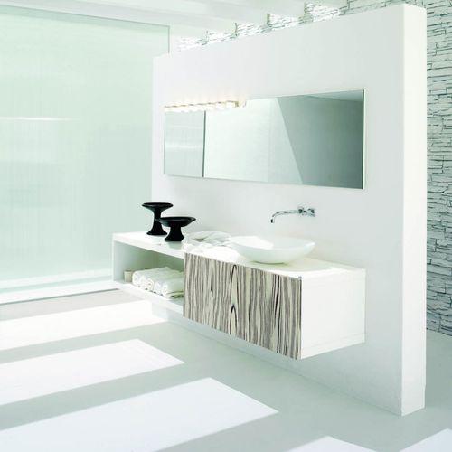 mueble de lavabo suspendido / de nogal / de vidrio / moderno
