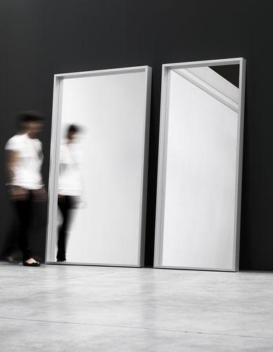 espejo de pared / de pie / contemporáneo / rectangular