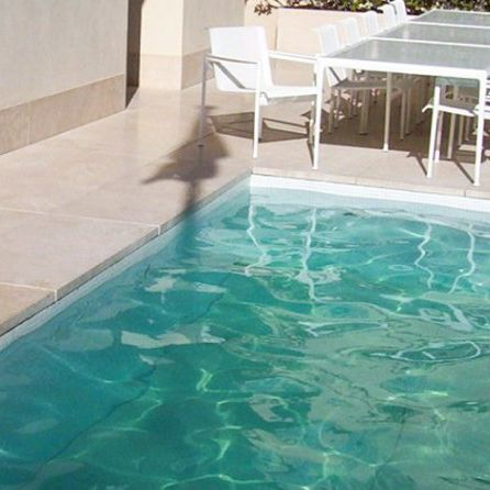 suelo móvil para piscina